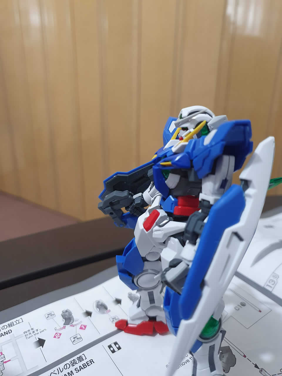 Exia Repair RG equipping the GN Sword