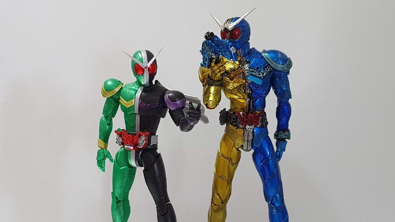 Kamen Rider W model comparison between Figure-rise Model kit and SIC figure