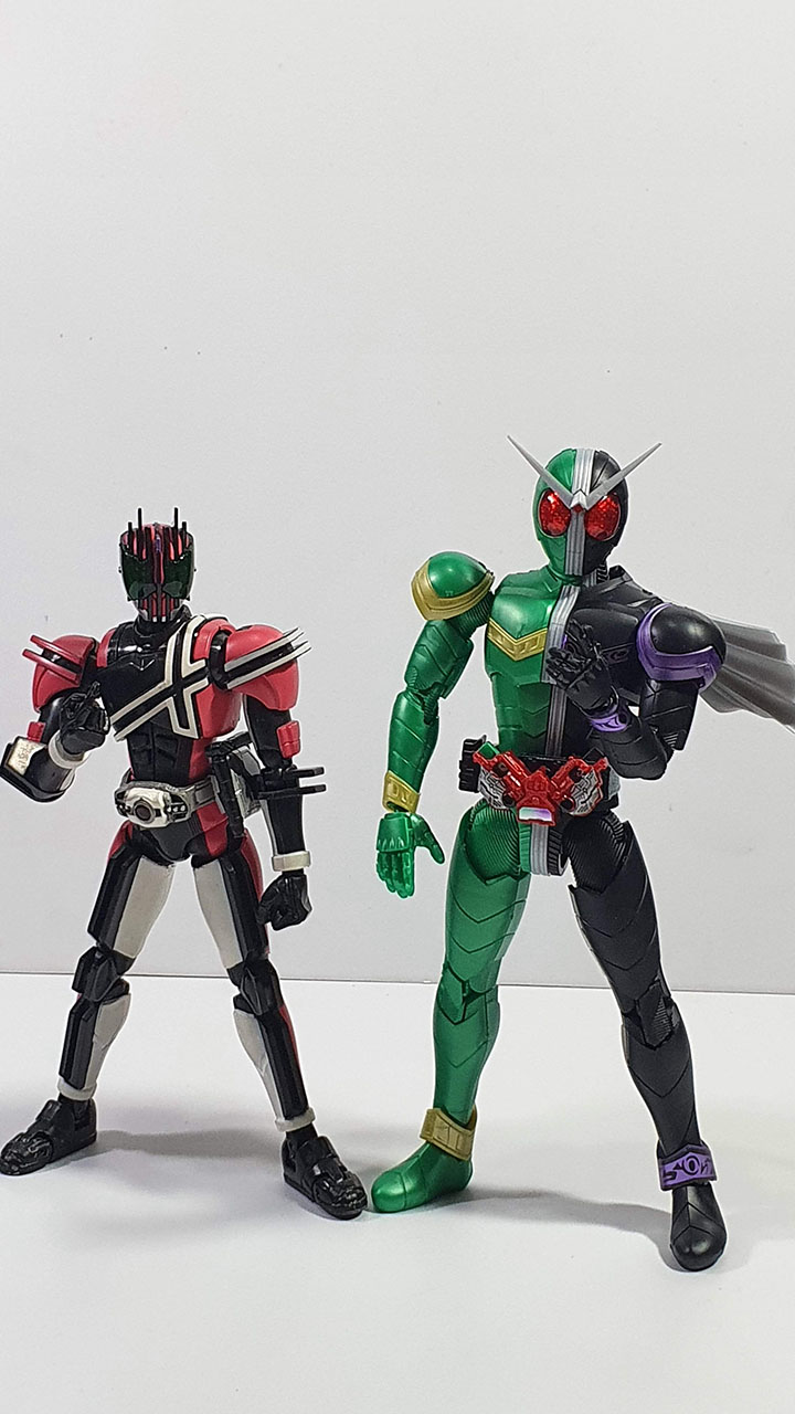 Comparison between Figure Rise Model and S.H. Figuarts Model