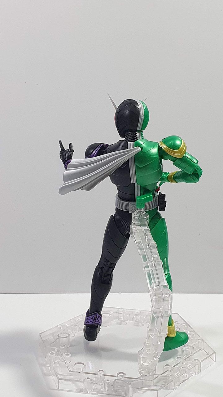 Figure Rise Double Cyclone Joker: Back shot