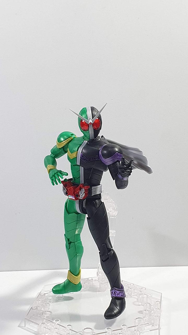 Figure Rise Double Cyclone Joker: Front shot