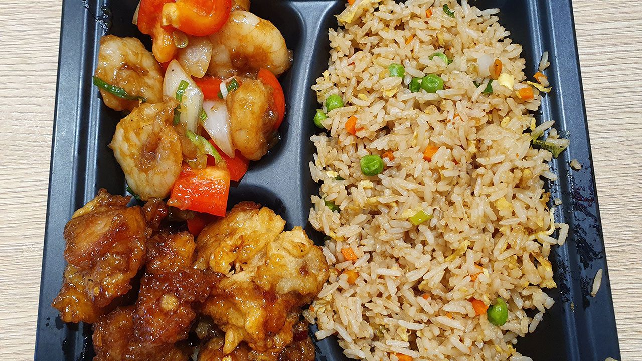 Panda Express Plate Meal Size with 2 Entrees and 1 side (245 Pesos)